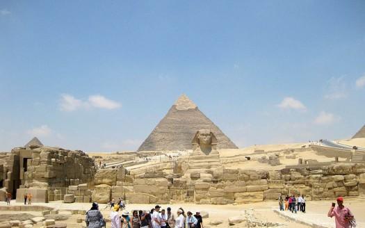Pirámide y esfinge, Rjruziii