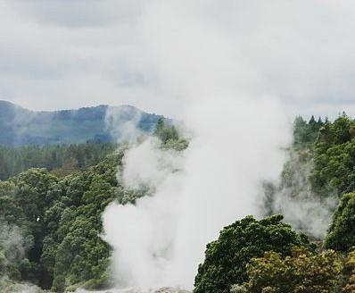 Géiser en Tepuia, Rotorua (Nueva Zelanda) - Bgabel