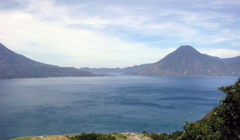 Lago Atitlán, Guatemala - Bart la Bastide at nl.wikipedia | namasteviajes.com