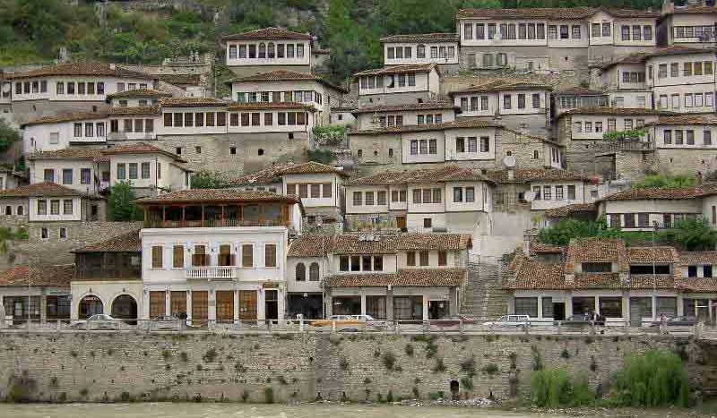 Berat, Albania . Joonas Lytinen, Creative Commons Attribution 2.0 Generic | namasteviajes.com