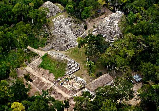 Sitio Arqueológico de Yaxhá, Guatemala - Cafeyaxha | namasteviajes.com