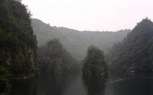 Lago Baofeng, China - Yoo Chung CC-BY-SA-2.5 | namasteviajes.com