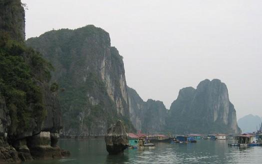 Bahía de Halong, Vietnam - Ziga de Wikipedia en esloveno | namasteviajes.com