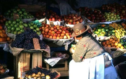 Mercado en Cuzco (Perú) - https://veton.picq.fr | namasteviajes.com