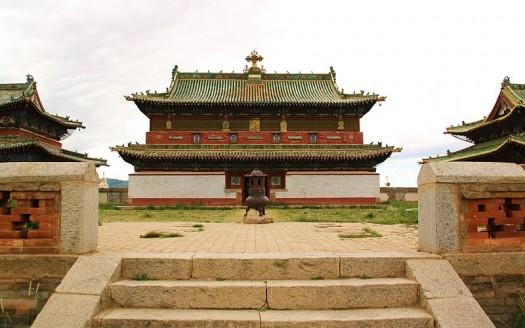 Monasterio Erdene Zuu, Karakorum (Mongolia) - Mongolia Expeditions... | namasteviajes.com