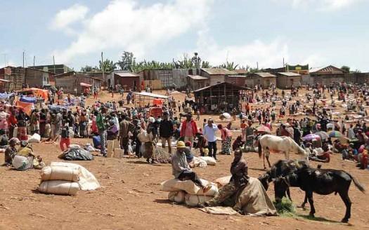Mercado de Chencha, Etiopía - Bernard Gagnon, Creative Commons de Atribución/Compartir-Igual 3.0 Unported, 2.5 Genérica, 2.0 Genérica y 1.0 Genérica | namasteviajes.com