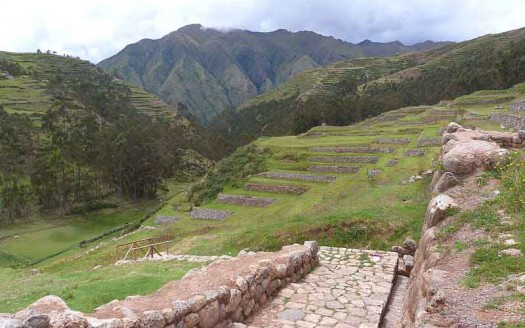 Chinchero, Perú - Ibrehaut (Ivan Brehaut L.), Creative Commons Attribution-Share Alike 4.0 International | namasteviajes.com