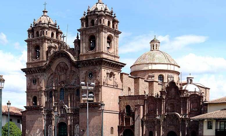 Iglesia de la Compañía de Jesús, Cuzco (Perú) - Martin St-Amant - Wikipedia - CC-BY-SA-3.0 | namasteviajes.com