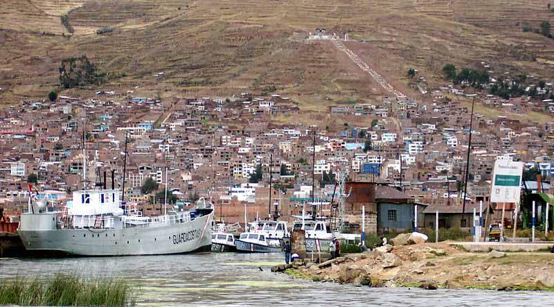 Puerto de Puno, Perú - Alfredobi | namasteviajes.com