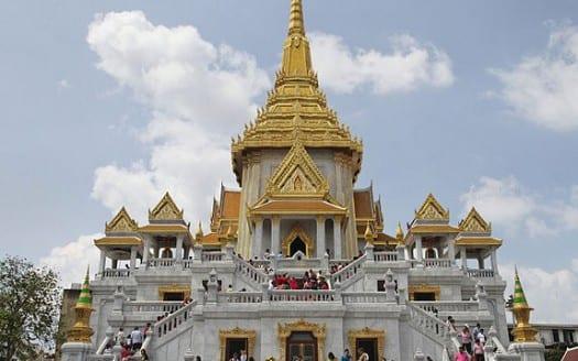 Wat Trimitr, Bangkok (Tailandia) - Ddalbiez, Creative Commons Atribución 3.0 Unported | namasteviajes.com