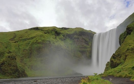 Cascada Skógafoss, Islandia - Martin Falbisoner, Creative Commons Attribution-Share Alike 4.0 International | namasteviajes.com