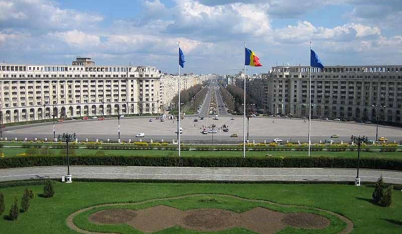 Vista desde el Palacio del Parlamento, Bucarest (Rumanía) - Simon Laird, Creative Commons Attribution-Share Alike 2.5 Generic | namasteviajes.com