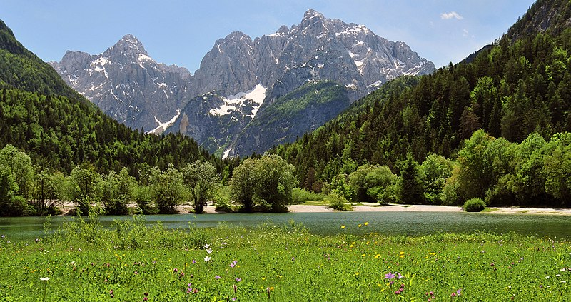 Monte Jezero, Eslovenia - I, Michael Gäbler, Creative Commons Attribution 3.0 Unported   namasteviajes.com