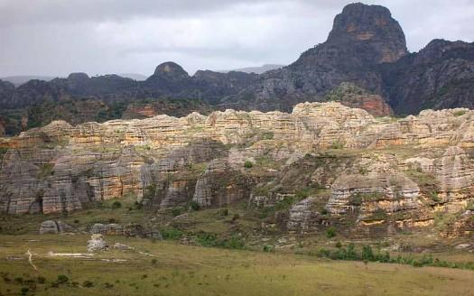 Parque Nacional de Isalo, Madagascar - Bernard Gagnon, Creative Commons Attribution-Share Alike 3.0 Unported 2.5 Generic 2.0 Generic and 1.0 Generic   namasteviajes.com