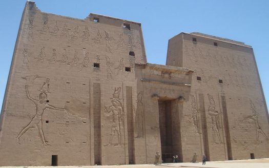 Templo de Edfu, Egipto - timsdad, Creative Commons Attribution-Share Alike 3.0 Unported license | namasteviajes.com