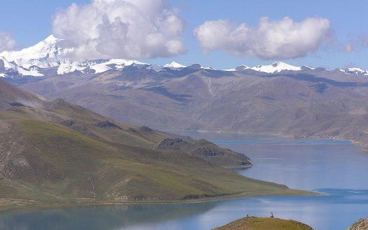 Lago Yamdrok Tso Tibet Peter Vigier Creative Commons Attribution-Share Alike 3.0 Unported license.   namasteviajes.com