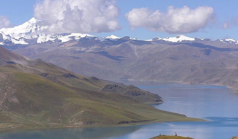 Lago Yamdrok Tso Tibet Peter Vigier Creative Commons Attribution-Share Alike 3.0 Unported license. | namasteviajes.com