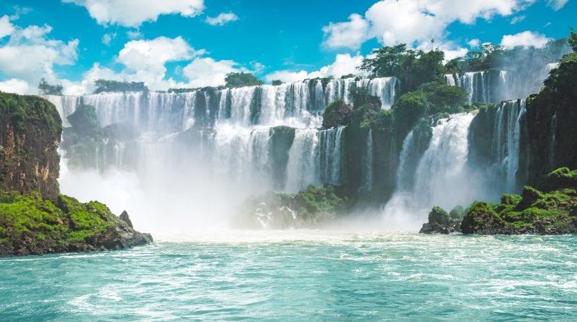 Cataratas de Iguazú, Brasil - De La Paz Tour | namasteviajes.com