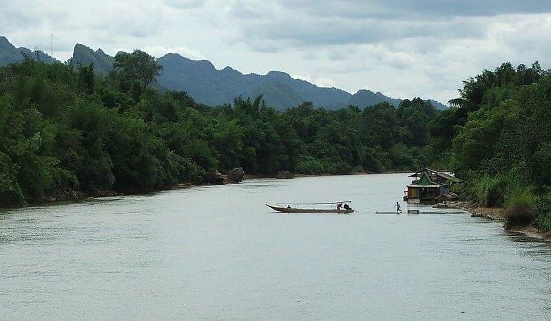 Río Kwai, Kanchanaburi (Tailandia) - Thajsko Creative Commons Attribution 3.0 Unported license. | namasteviajes.com